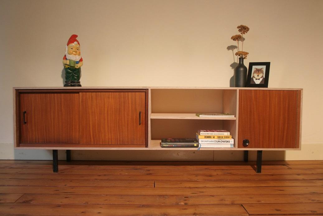 Buitenoosten multiplex tv meubel met vintage elementen for Vintage meubels