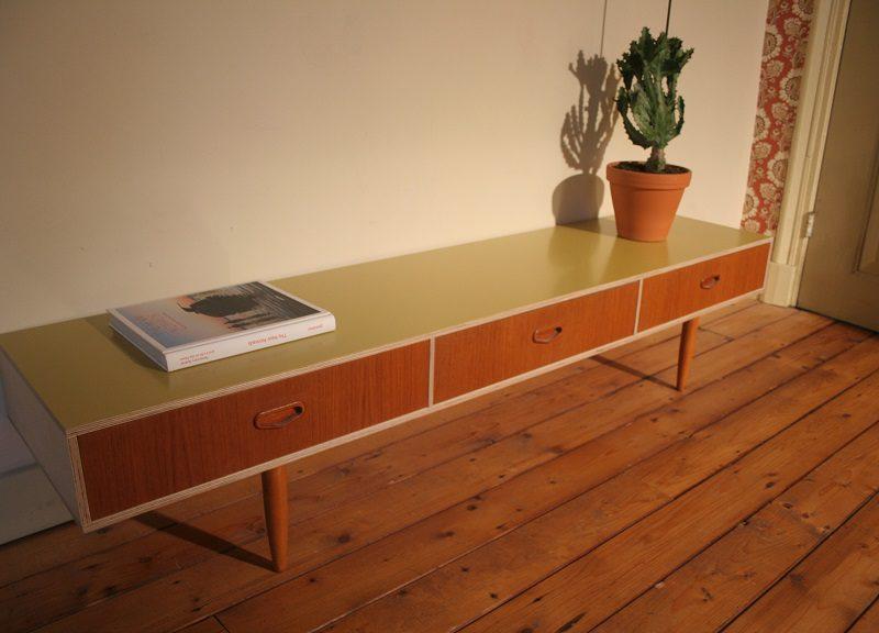 Industriëel design tv meubel, verkocht