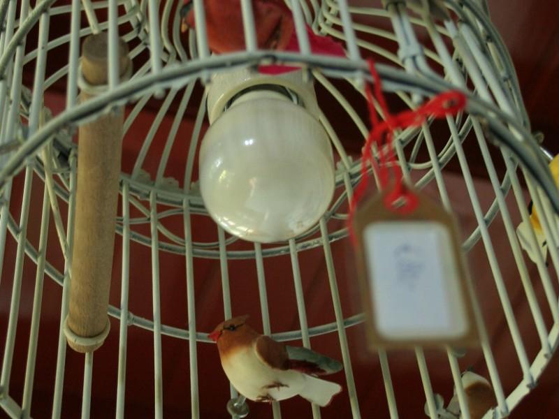 Lamp van vogelkooitje, verkocht