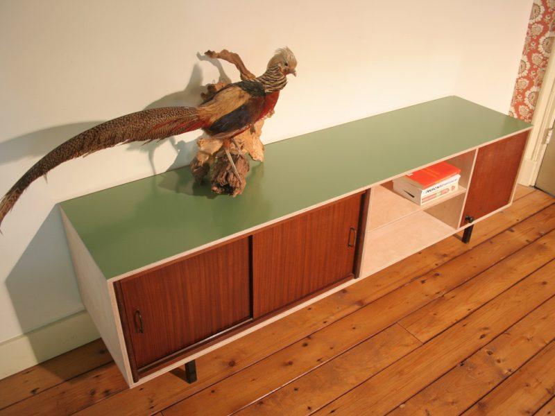 industriëel dressoir met vintage elementen, € 630,- / verkocht