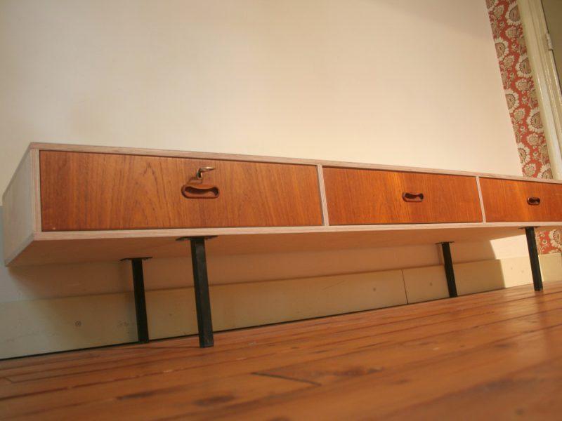 Industriëel design tv tafeltje / tv meubel, verkocht