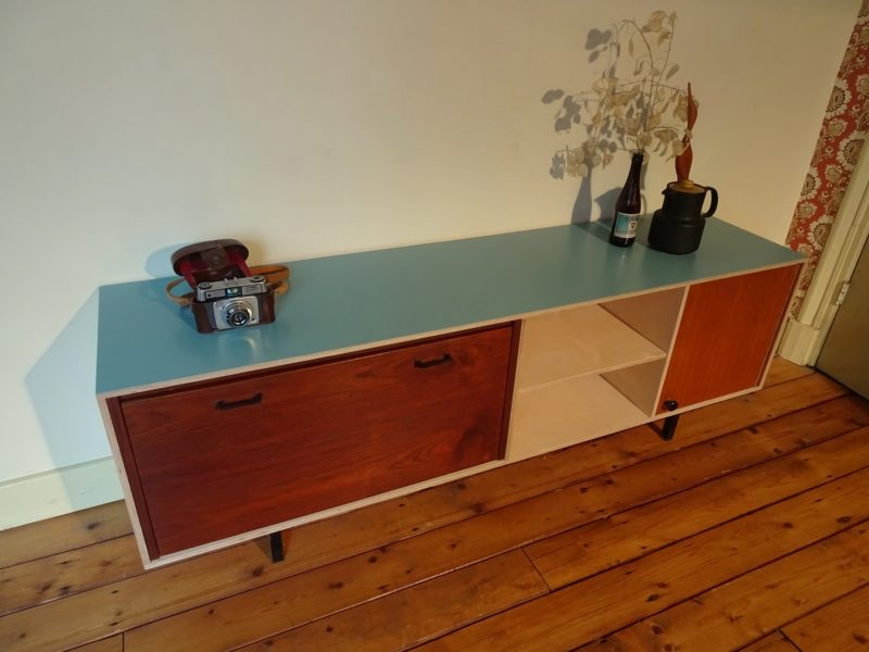 Industrieel design dressoir / tv meubel, verkocht