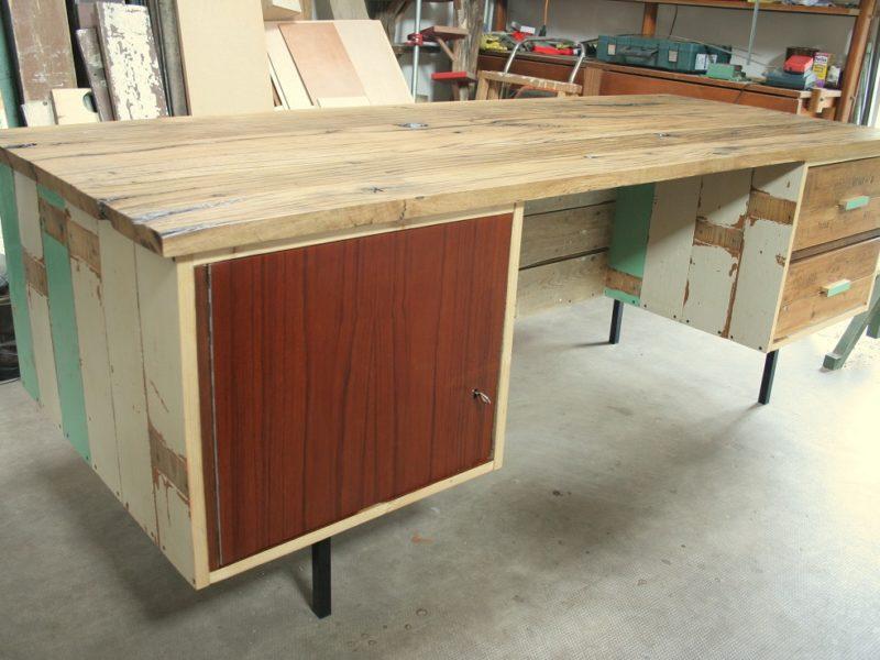 2-zijdig bureau van sloophout