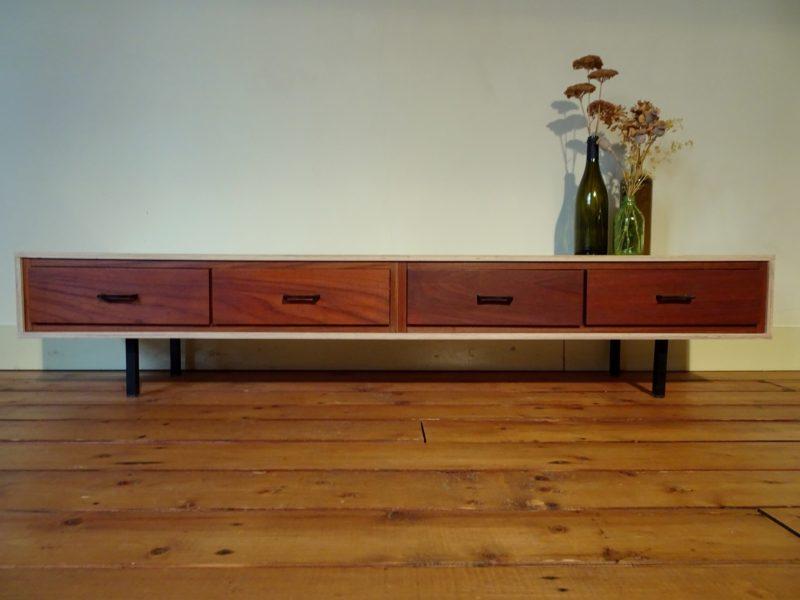 Tv meubel met vintage lades, verkocht